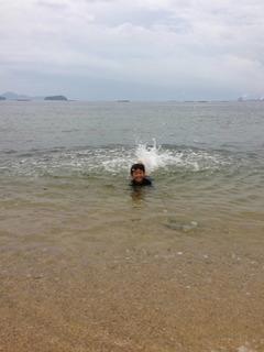0707海水浴ヒロ.JPG